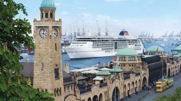Die Europa 2 im Hamburger Hafen. Foto: Hapag Lloyd Cruises