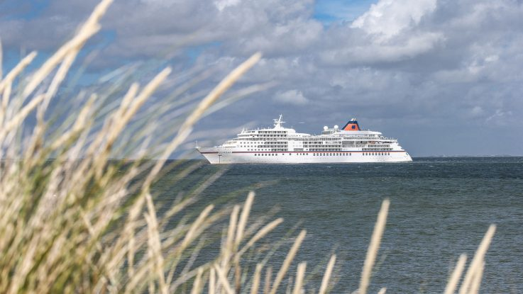 MS Europa Meets Sansibar 2017. Foto: Hapag-Lloyd Cruises/Peoplefotograf Marko Greitschus