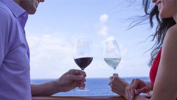 Auf der Norwegian Escape und der Norwegian Dawn wird die Meet the Winemaker Cruise angeboten. Foto: NCL