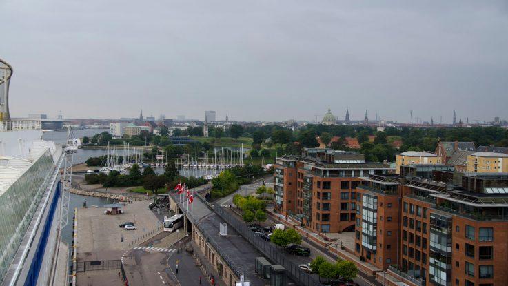 Schon vom Schiff könnt ihr euch einen tollen Ausblick über Kopenhagen verschaffen. Foto: bergeest