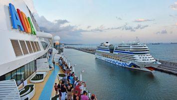 Blick von AIDAperla auf AIDAstella. Foto: AIDA Cruises