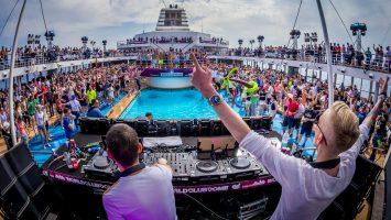 Gestört aber GeiL an Bord der World Club Cruise 2017. Foto: TUI Cruises GmbH/©BigCityBeats