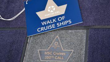 Eine Plakette auf dem Walk of Cruise Ships für MSC. Foto: Port of Kiel
