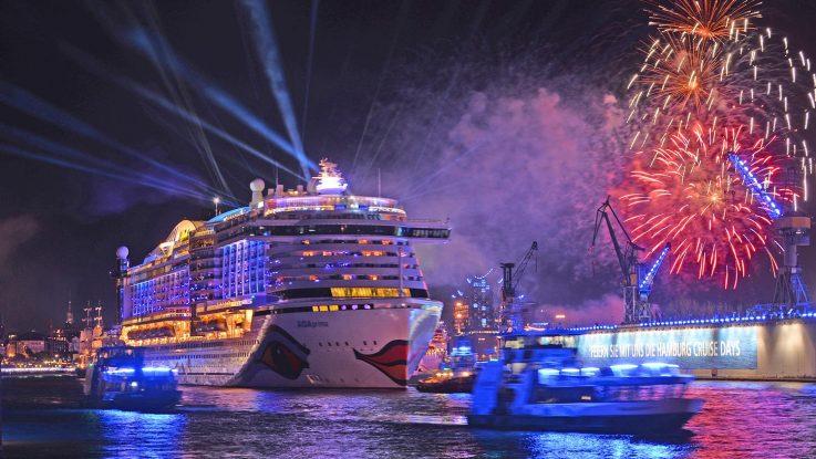 Die AIDAprima führte die große Schiffsparade an. Foto: André Lenthe