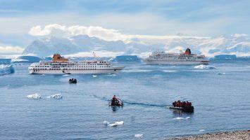 """Hapag-Lloyd Cruises wurde in der Kategorie """"Bestes Expeditionsprodukt"""" beim Deutschen Kreuzfahrtpreis 2018 prämiert. Foto: Hapag Lloyd Cruises"""