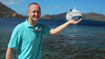 Alle Sendetermine: Phoenix Reiseleiter Bernd Wallisch mit MS Artania wird auch wieder zu sehen sein. Foto: Phoenix Reisen