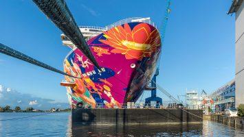 Am kommenden Sonntag startet die World Dream zur Emsüberführung. Foto: Meyer Werft