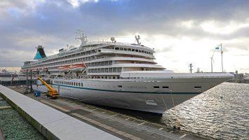 MS Artania Cruise Center Altona 28.11.2017. / Foto: Oliver Asmussen/oceanliner-pictures.com