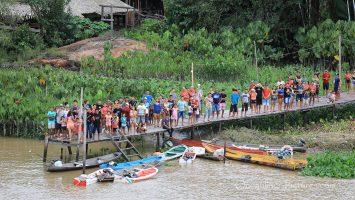 Begrüssung der MS Hamburg Breves Kanäle, Amazonas-Delta. / Foto: Oliver Asmussen/oceanliner-pictures.com