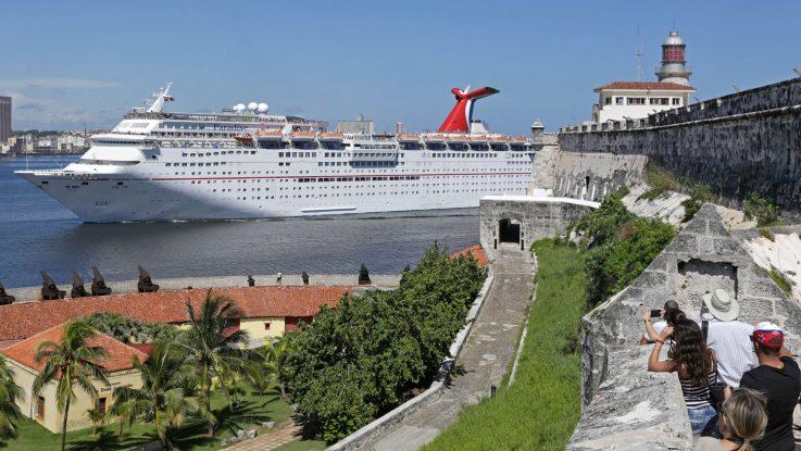 Wird kräftig aufgewertet: die Carnival Paradise. Foto: Sven Creutzmann/Carnival Cruise Line