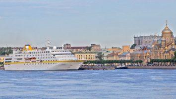 MS Hamburg in St.Petersburg. Foto: Plantours Kreuzfahrten