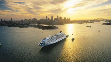 Die Crystal Symphony vor Sydney. Foto. Crystal Cruises