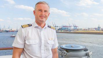 Kapitän Ulf Sodemann übernimmt die MS Bremen. Foto: Hapag Lloyd Cruises