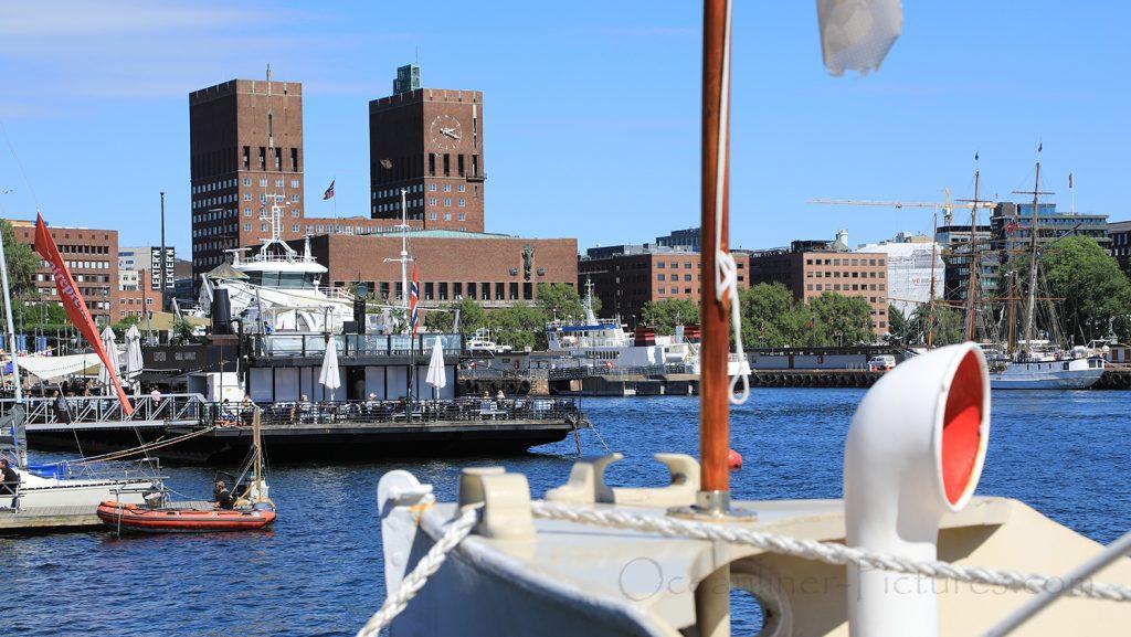 Blick auf das Rathaus von Oslo / Foto: Oliver Asmussen/oceanliner-pictures.com