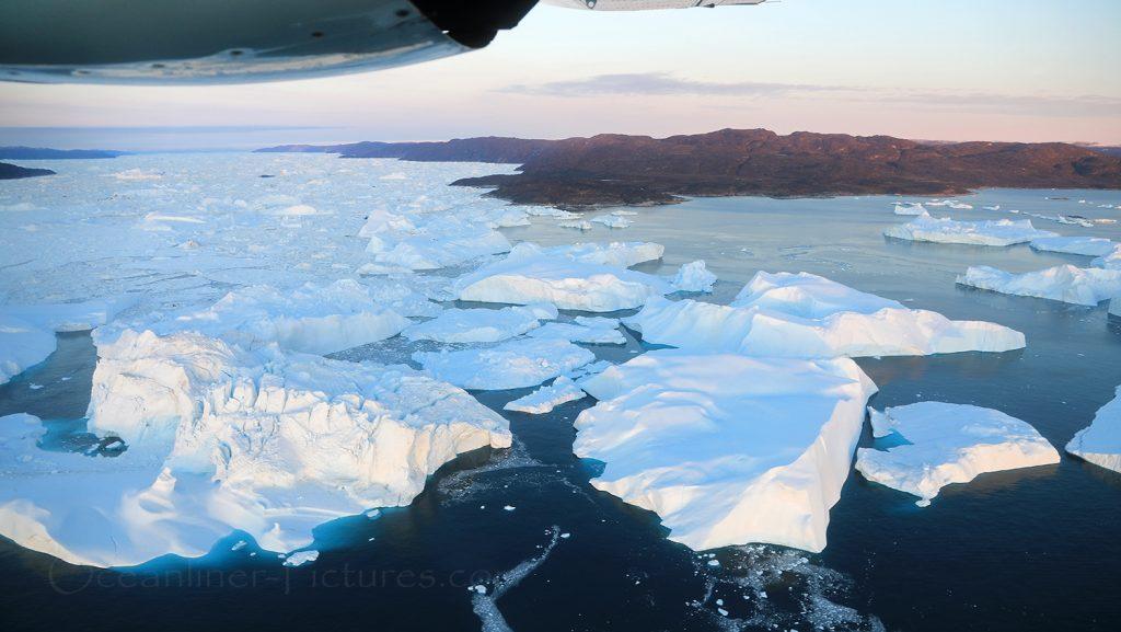 Blick auf den Eisfjord und die Eisberge in Ilulissat / Foto: Oliver Asmussen/oceanliner-pictures.com