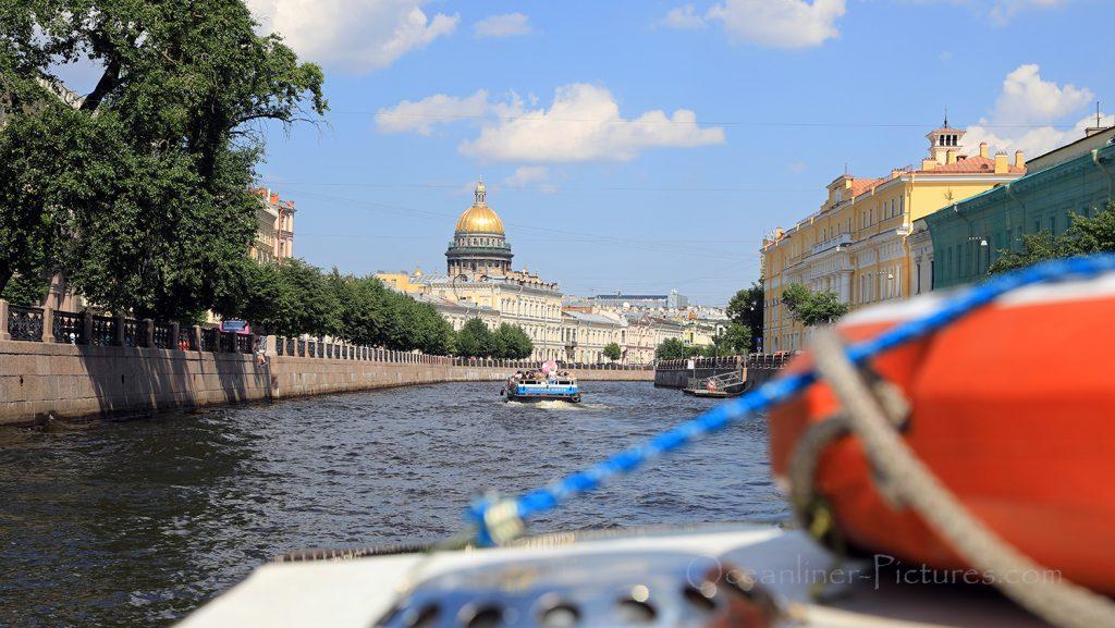 Bootsfahrt auf der Newa in St. Petersburg / Foto: Oliver Asmussen/oceanliner-pictures.com