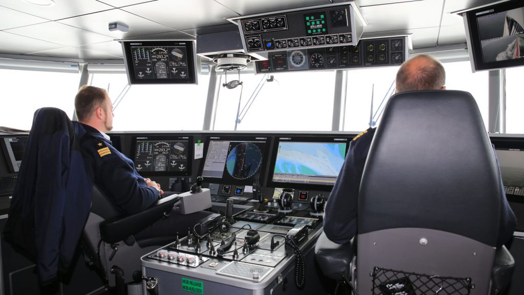 Blick auf die Brücke des Halunder-Jet. Foto: Madle-Fotowelt