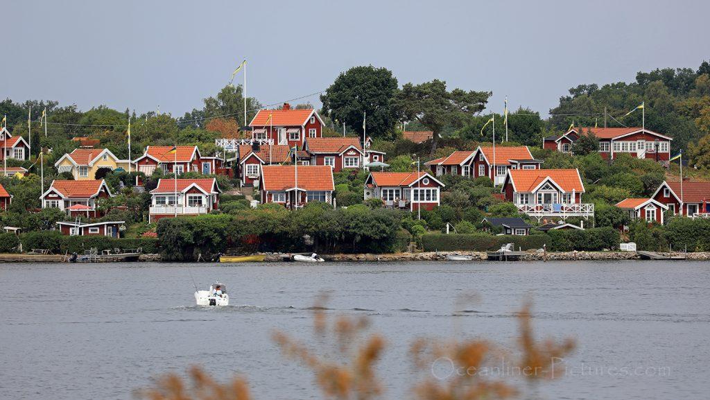 Die roten Holzhäuser von Brändaholm bei Karlskrona / Foto: Oliver Asmussen/oceanliner-pictures.com