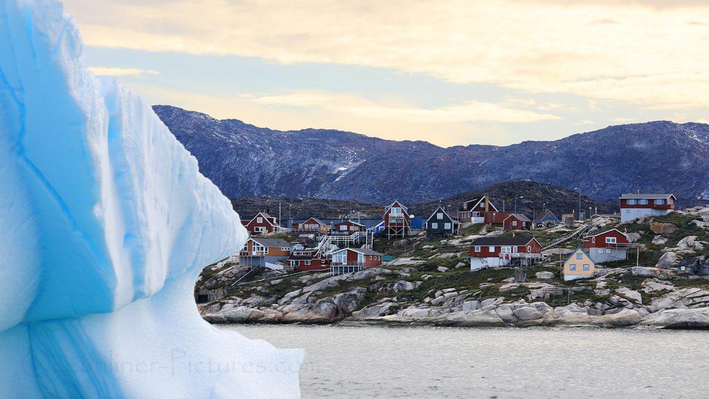 Eisberg vor Ilulissat am frühen Morgen / Foto: Oliver Asmussen/oceanliner-pictures.com