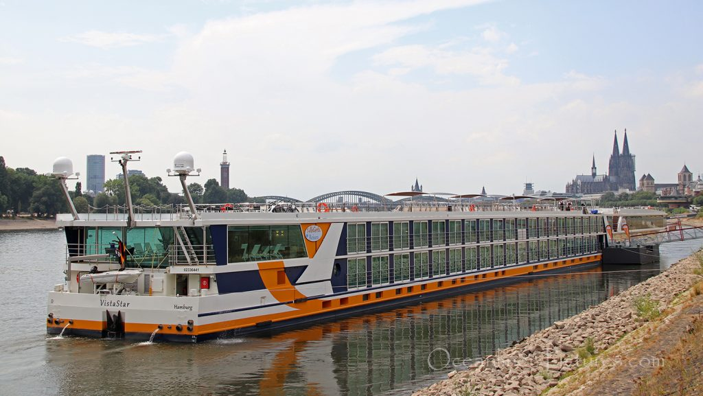 Flusskreuzfahrtschiff Vista Star in Köln / Foto: M. Barzantny/oceanliner-pictures.com