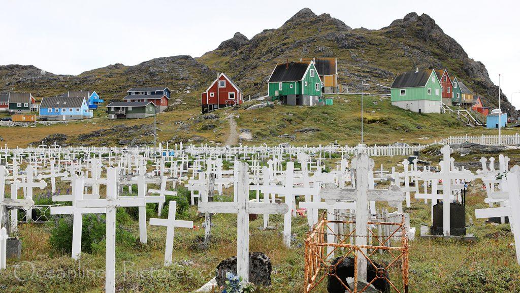 Friedhof in Paamiut, Grönland / Foto: Oliver Asmussen/oceanliner-pictures.com