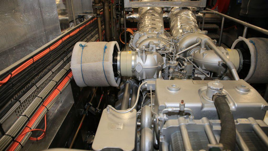 Blick auf die Hauptmaschine an Bord. Foto: Madle-Fotowelt
