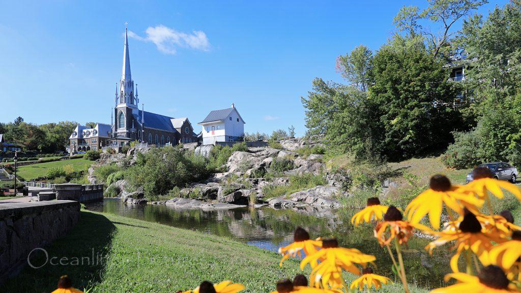 Le musee de la Petite Maison Blanche, Eglise Sacre-Coer und Park in Saguenay / Foto: Oliver Asmussen/oceanliner-pictures.com