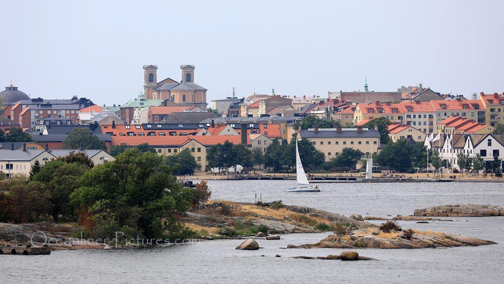 MS Hamburg auslaufend Karlskrona / Foto: Oliver Asmussen/oceanliner-pictures.com