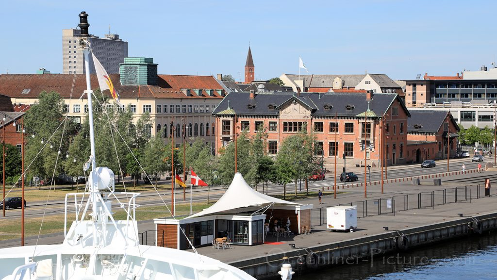 Ocean Majesty am Cruise Terminal in Aalborg, Dänemark / Foto: Oliver Asmussen/oceanliner-pictures.com