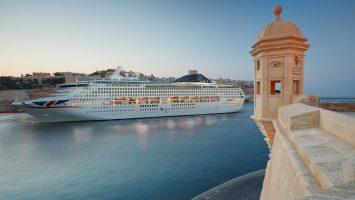 Die Oceana, hier vor Valletta, ist im kommenden Frühjahr in der Arabischen Welt unterwegs. Foto: P&O Cruises