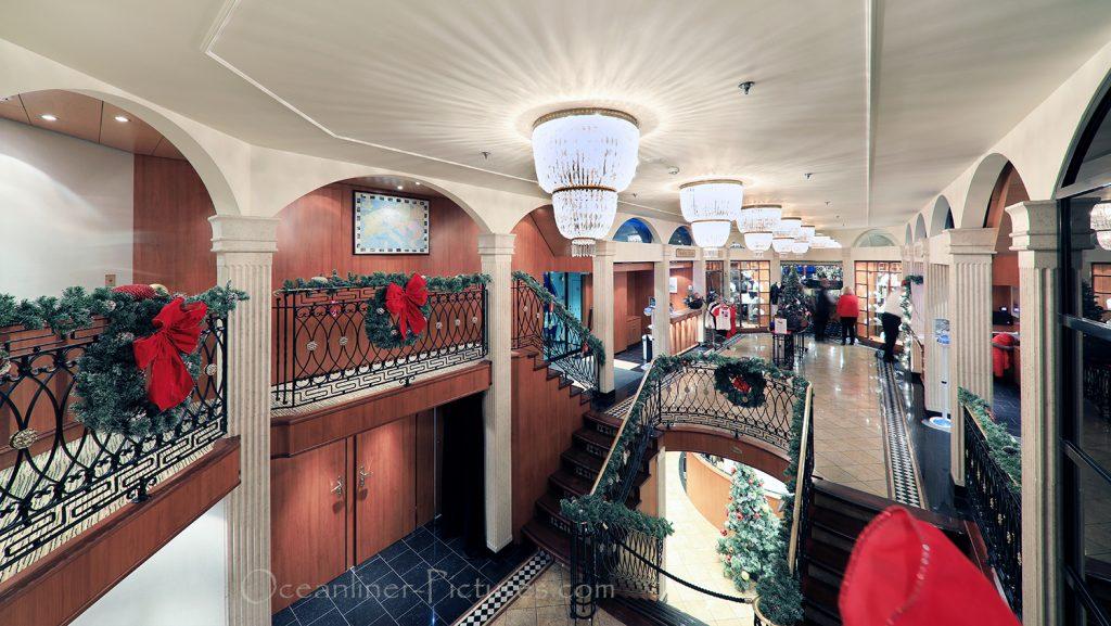 Atrium und Foyer Gesamtansicht MS Swiss Tiara / Foto: Oliver Asmussen/oceanliner-pictures.com