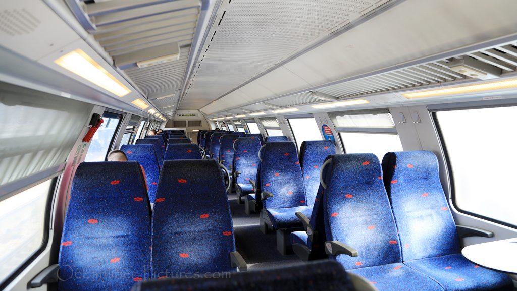 Innenansicht Bombardier Mittelwagen der Israel Railways / Foto: Oliver Asmussen/oceanliner-pictures.com