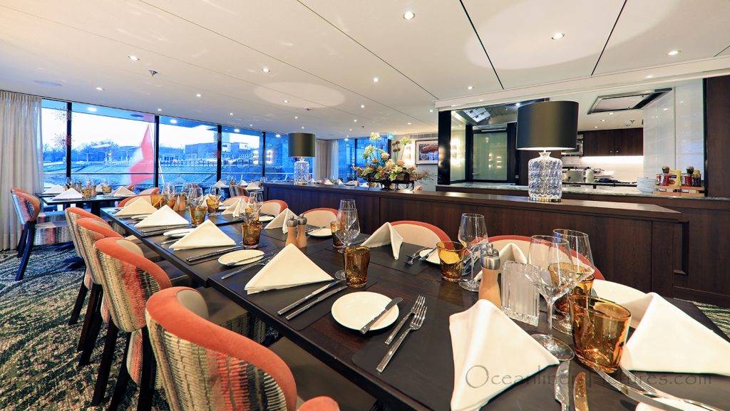 Lido Bistro Restaurant MS William Wordsworth / Foto: Oliver Asmussen/oceanliner-pictures.com