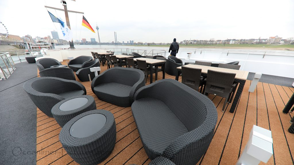 Loungebereich Sonnendeck MS William Wordsworth / Foto: Oliver Asmussen/oceanliner-pictures.com