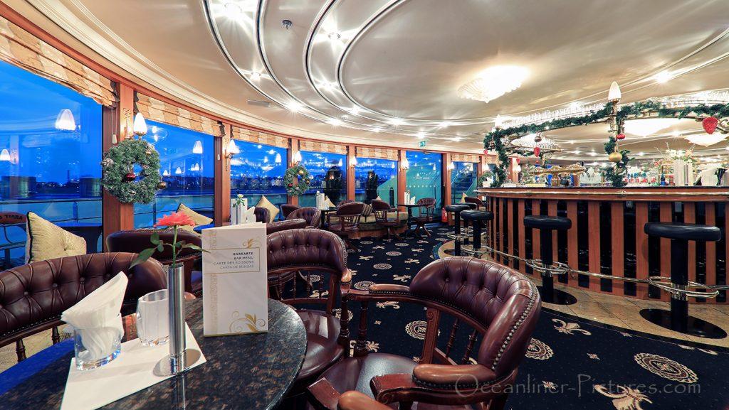 MS Swiss Tiara Panorama Lounge Bar / Foto: Oliver Asmussen/oceanliner-pictures.com