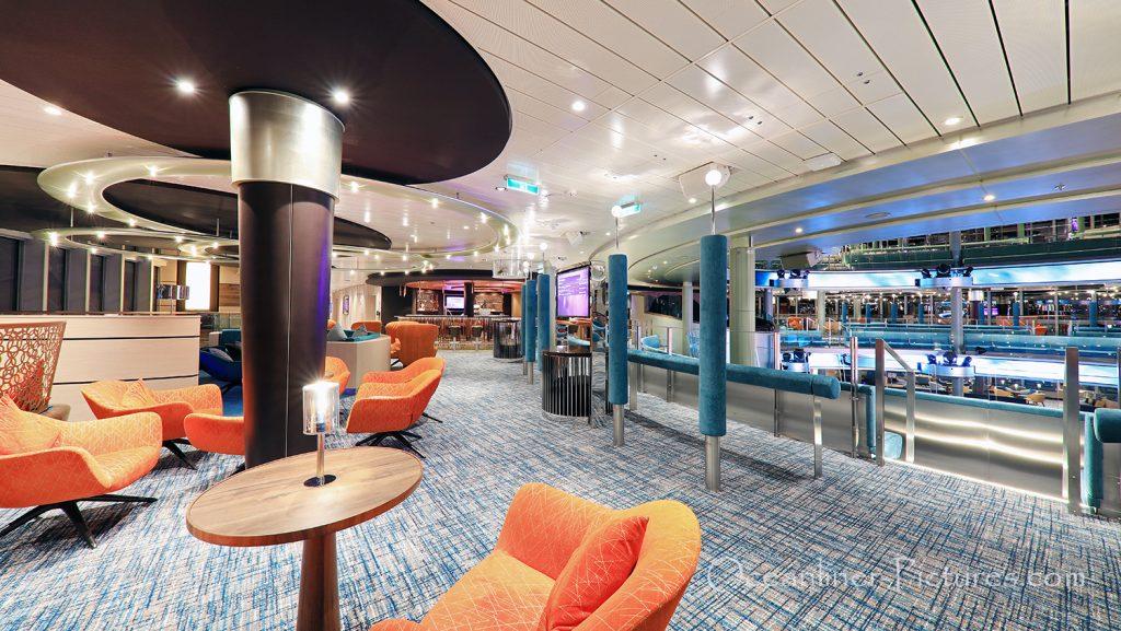 Blick auf Theatrium und Loge 7 Bar AIDAnova / Foto: Oliver Asmussen/oceanliner-pictures.com