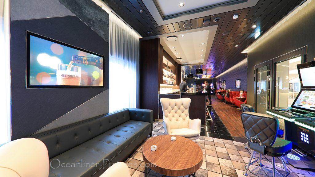 Casino und Lounge neue Mein Schiff 2 / Foto: Oliver Asmussen/oceanliner-pictures.com