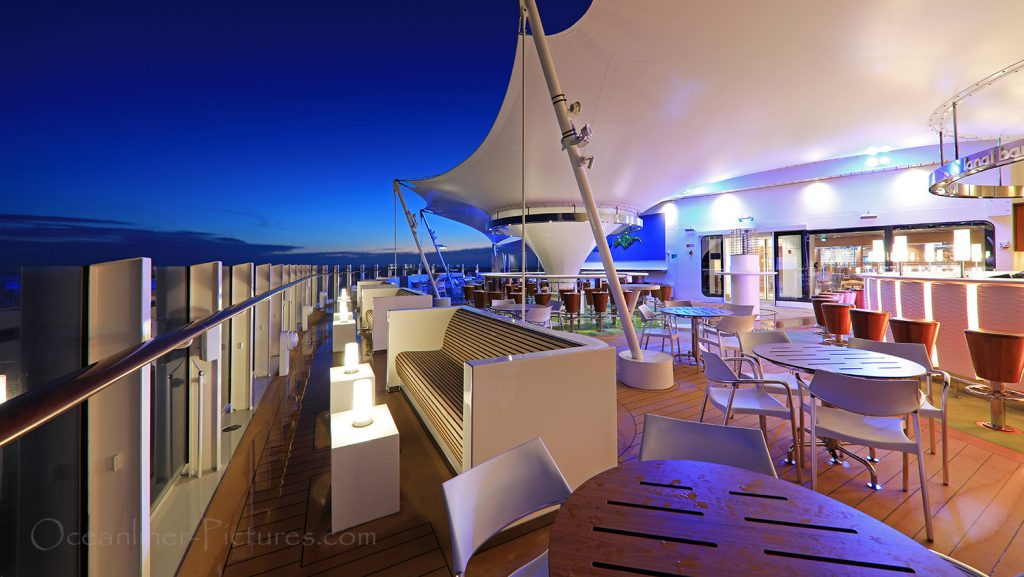 Lanai Bar AIDAnova / Foto: Oliver Asmussen/oceanliner-pictures.com