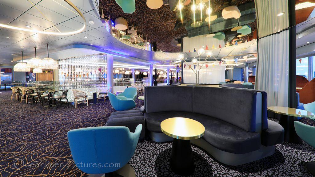 Schau Bar neue Mein Schiff 2 / Foto: Oliver Asmussen/oceanliner-pictures.com