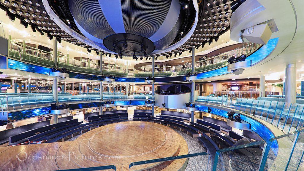 Theatrium Gesamtansicht AIDAnova / Foto: Oliver Asmussen/oceanliner-pictures.com