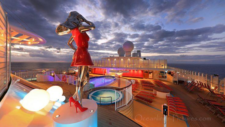 Vorderer Aussenpool AIDAnova / Foto: Oliver Asmussen/oceanliner-pictures.com