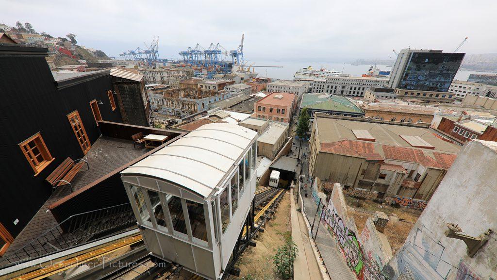 Ascensores Standseilbahn in Valparaiso, Chile und MS Hamburg / Foto: Oliver Asmussen/oceanliner-pictures.com