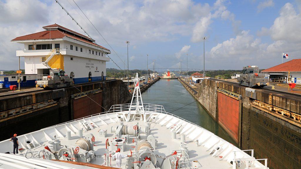Gatun Locks Panama Canal und Treidellok / Foto: Oliver Asmussen/oceanliner-pictures.com