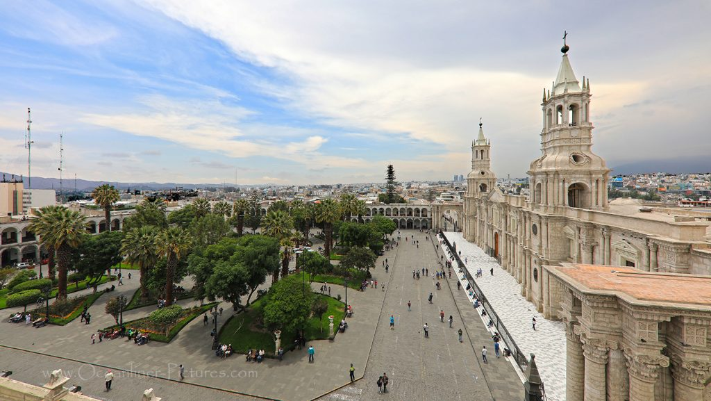 Stadt Arequipa in Peru mit Kathedrale und Plaza de Armas / Foto: Oliver Asmussen/oceanliner-pictures.com