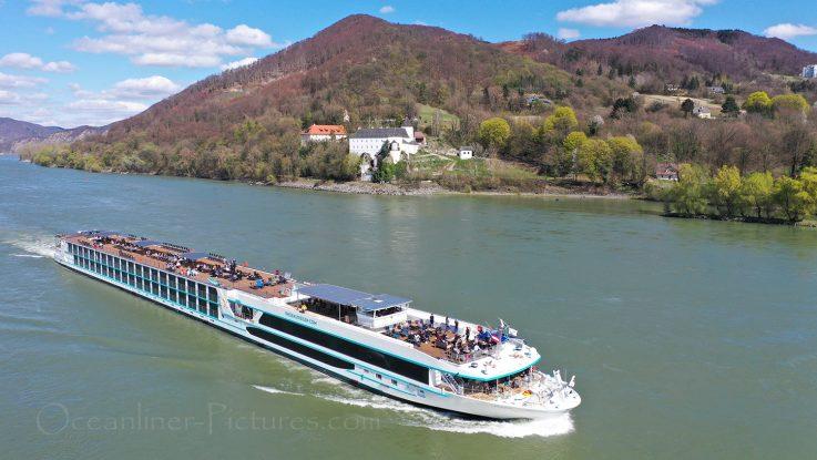 MS Adora auf der Donau unterwegs / Foto: Oliver Asmussen/oceanliner-pictures.com