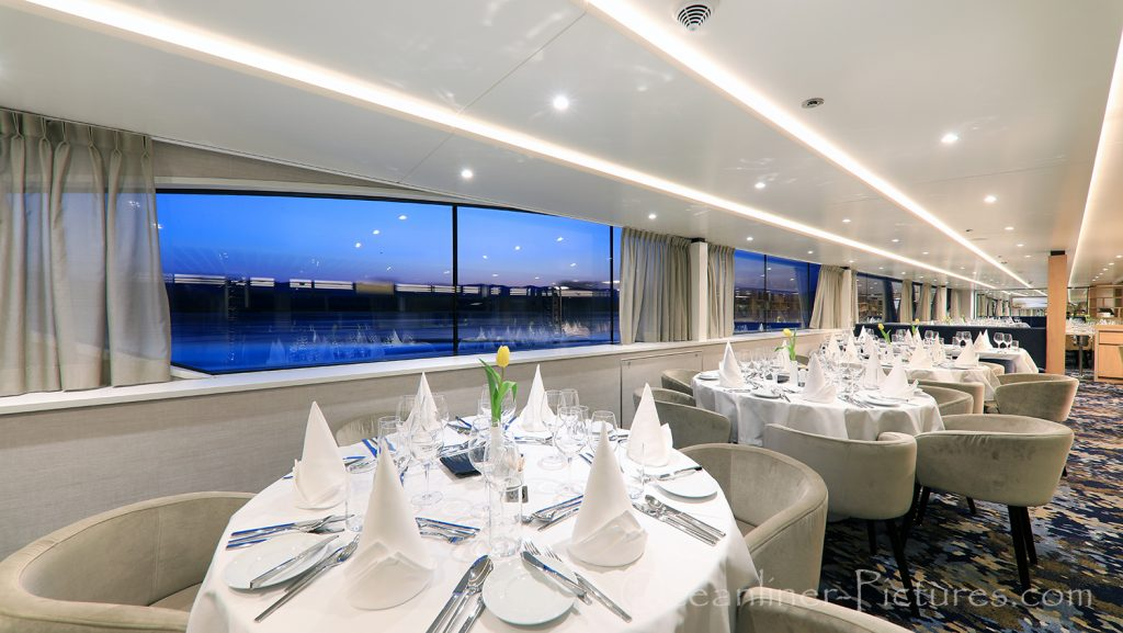 Panorama Restaurant MS Adora / Foto: Oliver Asmussen/oceanliner-pictures.com