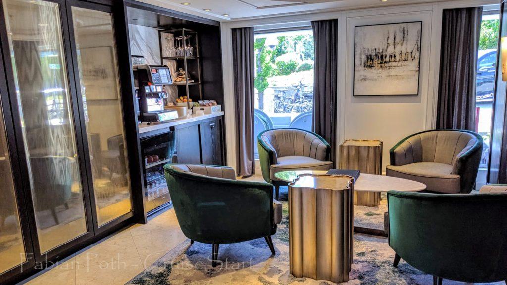 Crystal Mozart Sitzniesche mit Kaffeestation / Foto: Fabian Poth