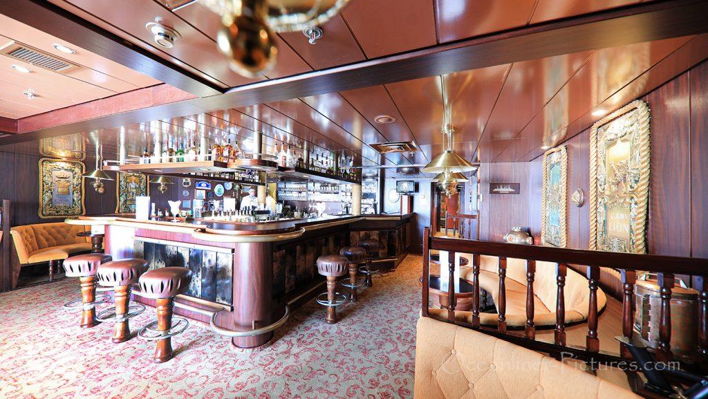 Hanse Bar MS Astor / Foto: Oliver Asmussen/oceanliner-pictures.com