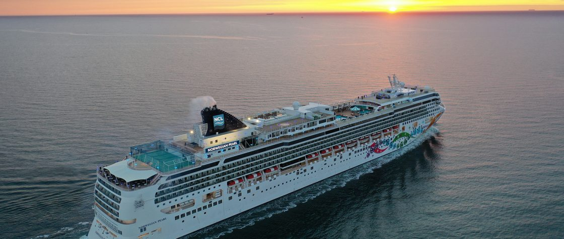 Norwegian Pearl nach ihrem Erstanlauf in Warnemünde / Foto: Oliver Asmussen/oceanliner-pictures.com