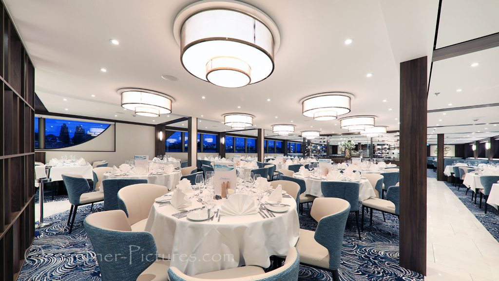 Panorama Restaurant Vier Jahreszeiten MS Anna Katharina / Foto: Oliver Asmussen/oceanliner-pictures.com